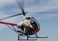 Rundflug mit dem Hubschrauber Hughes 300 für 2 Personen 40 Min. nach Wunsch